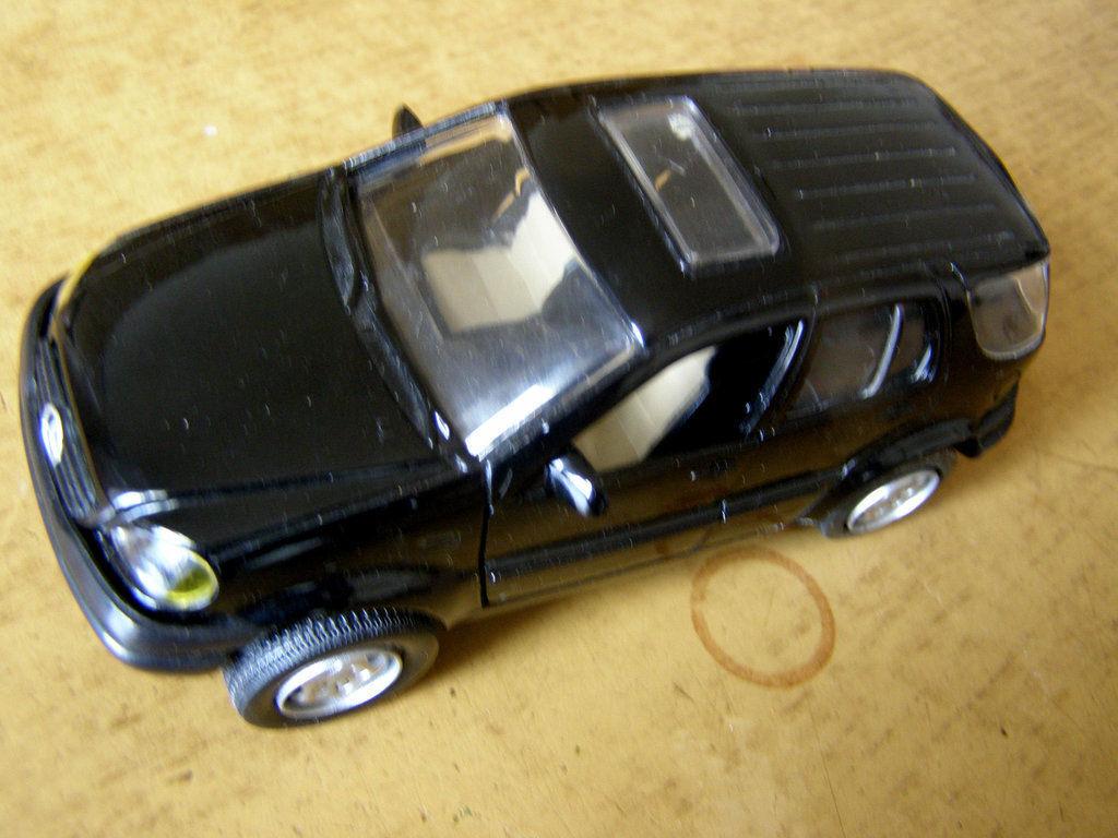 Фото - Коллекционная машинка Mercedes-Benz L3