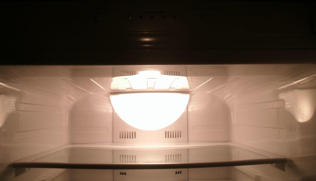 Фото 6 - Холодильник б/у Samsung RL41SBSW, No Frost, 231 л + 94 л