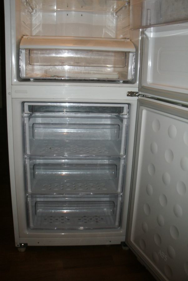Фото 5 - Холодильник б/у Samsung RL41SBSW, No Frost, 231 л + 94 л
