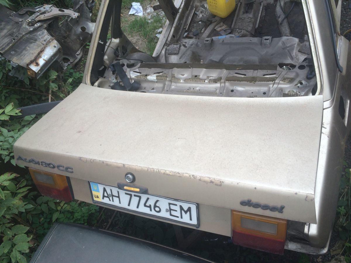 крышка багажника audi 80 b2
