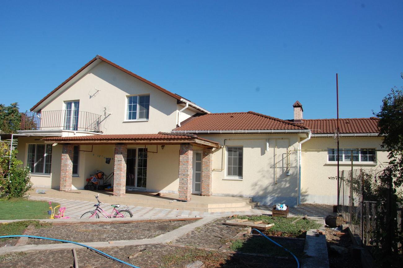 Продаю новый 2-х эт.дом в г.Скадовске, 550 м до моря