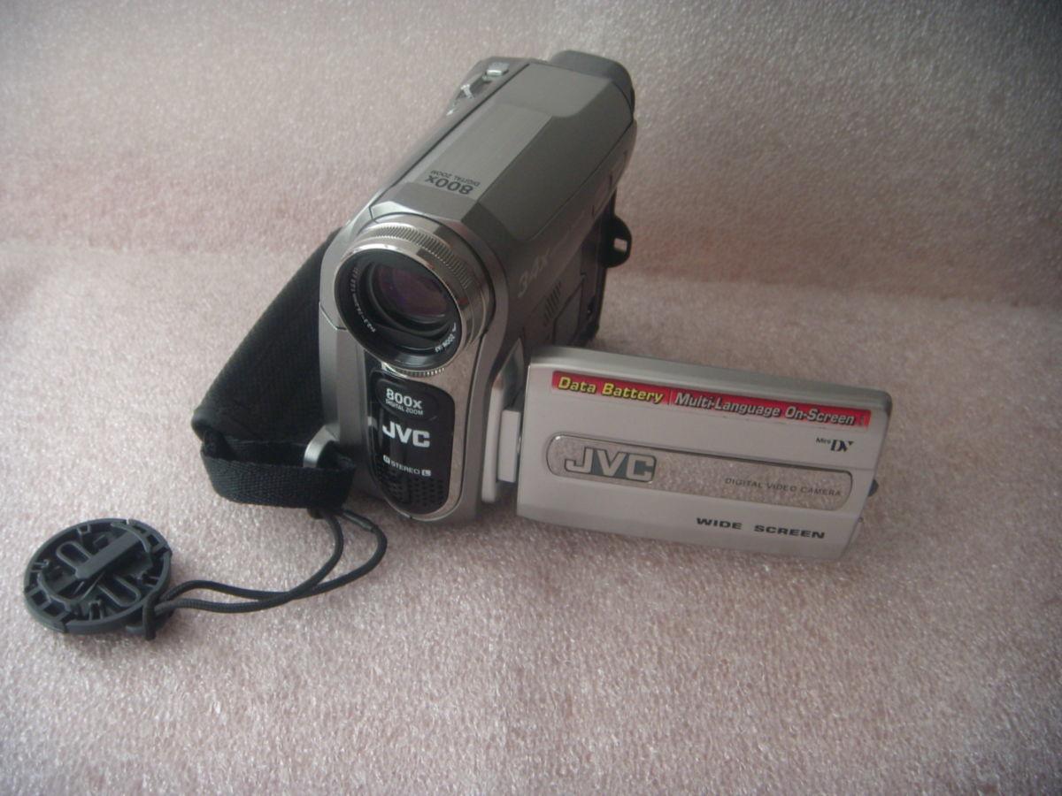 Видеокамера JVC GR-D 740E, б/у в отличном состоянии