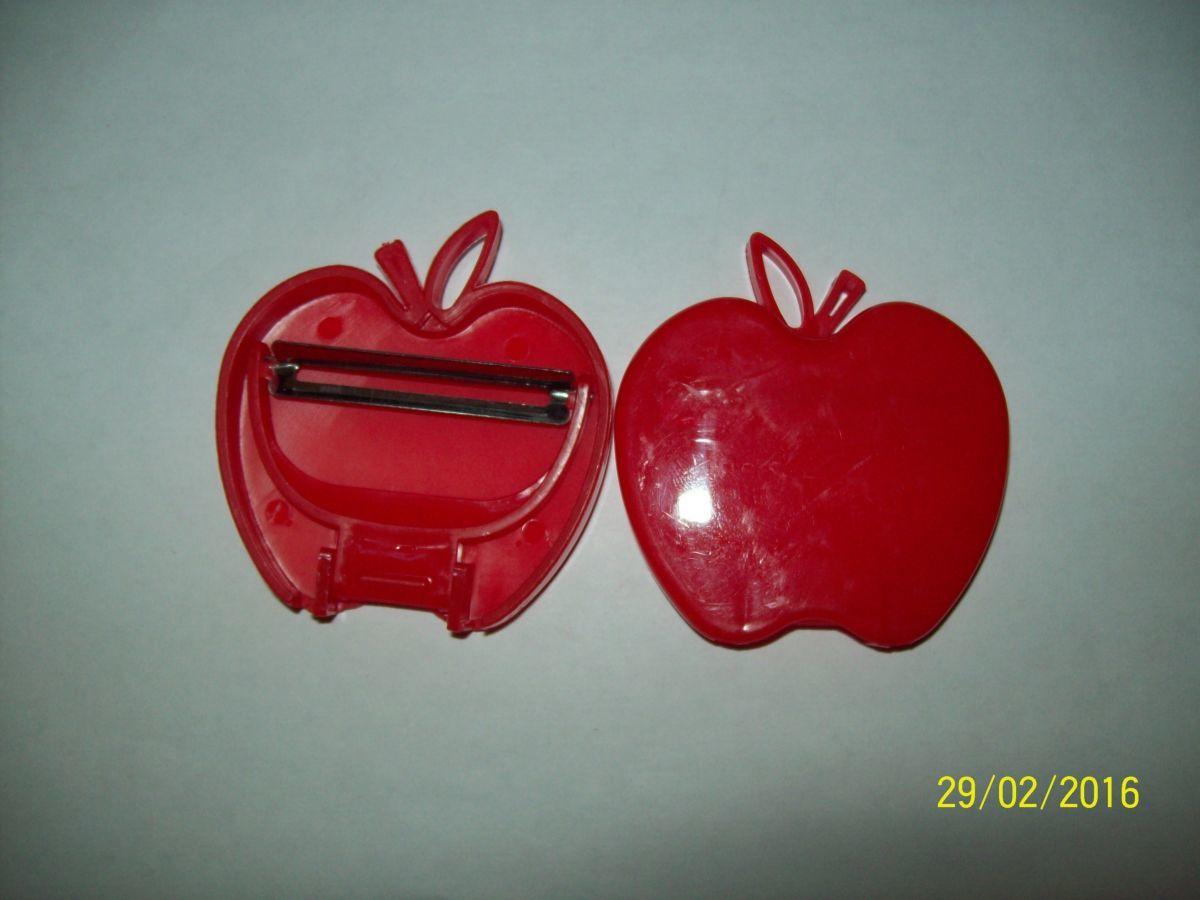 Фото 5 - Овощечистка складная - яблоко