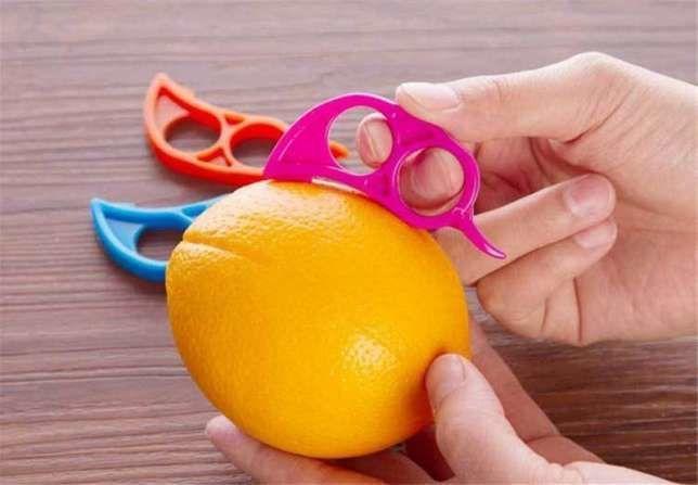 Фото - Колечко для очистки апельсина от кожуры