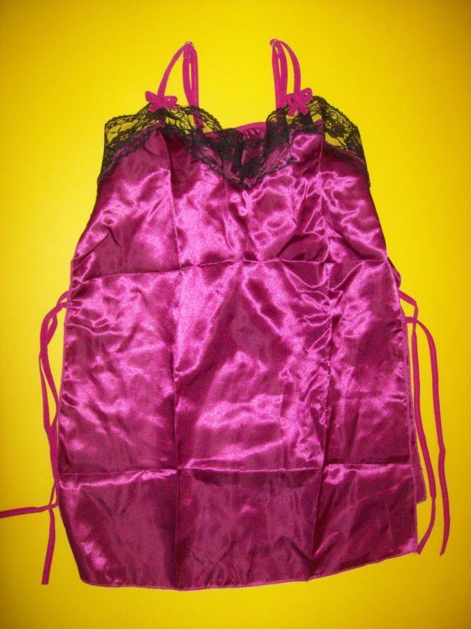 Фото 4 - Атласный пеньюар на завязках с бикини