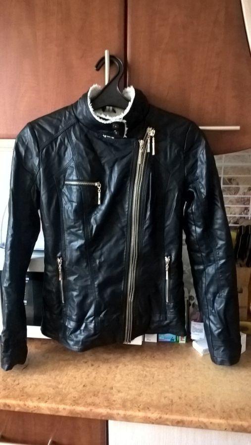 Фото 3 - Женская Черная Куртка Кожа PU На Меховушке размер М торг