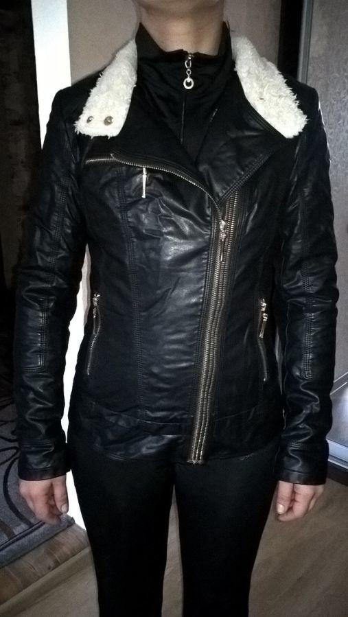 Фото 9 - Женская Черная Куртка Кожа PU На Меховушке размер М торг