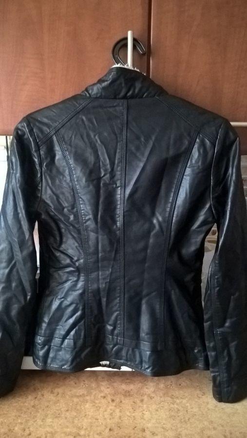 Фото 4 - Женская Черная Куртка Кожа PU На Меховушке размер М торг