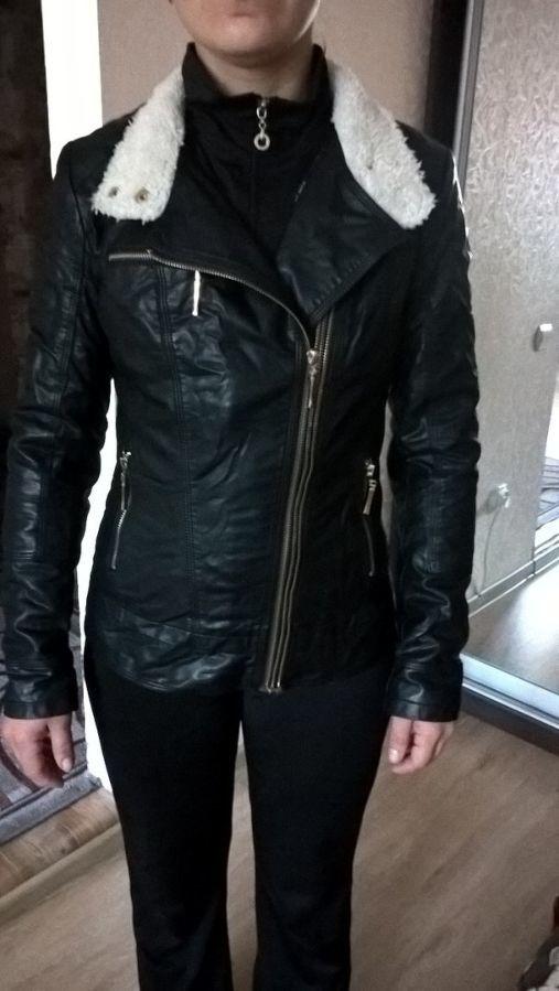 Фото 8 - Женская Черная Куртка Кожа PU На Меховушке размер М торг