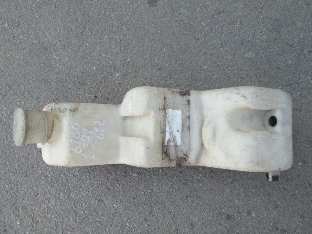 Фото 2 - Бачок омывателя лобового стекла BMW 5 E34 88-95
