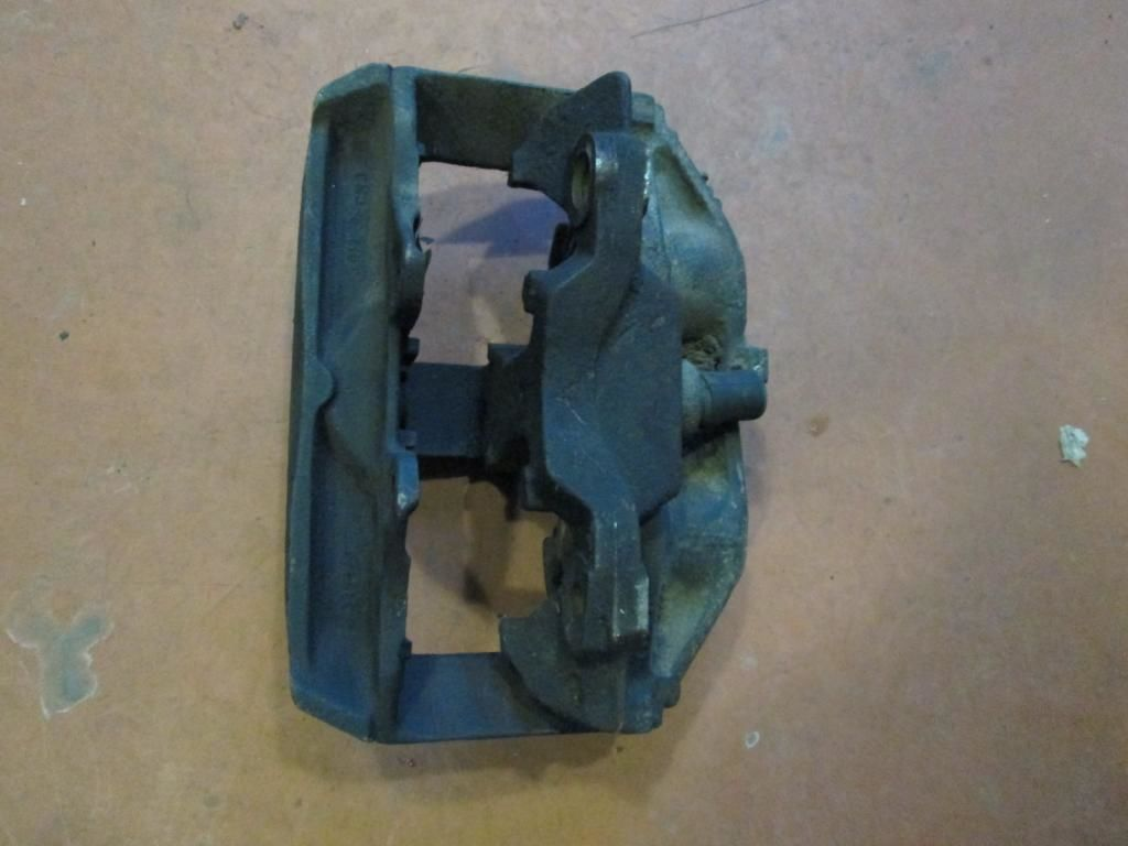 Фото 2 - Суппорт передний правый Audi A8 94-99 4D0615107A