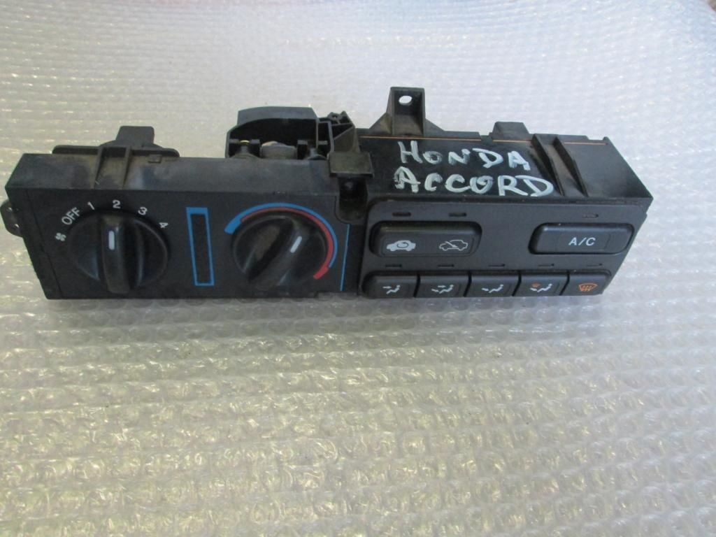 Фото - Панель блок управления печкой Honda Accord V 93-98