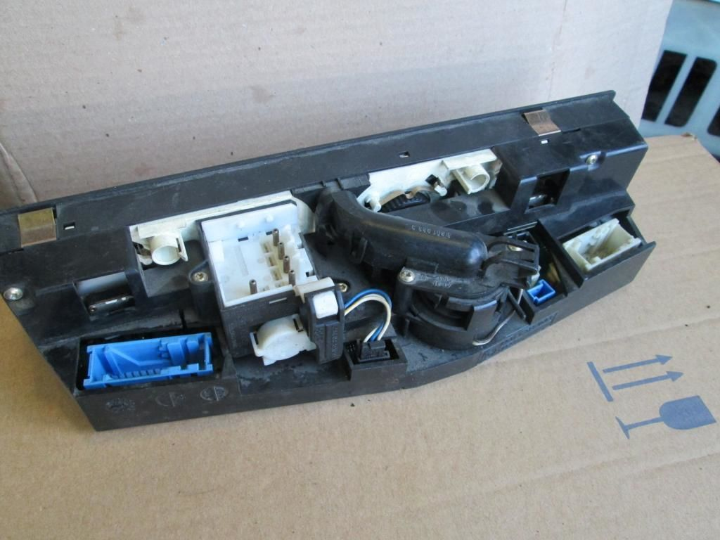 Фото 2 - Панель управления печкой кондиц BMW 7 E38 8367917