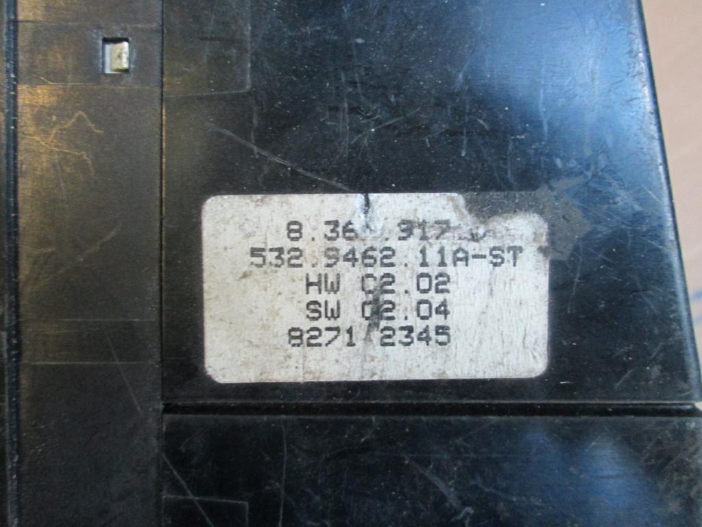 Фото 3 - Панель управления печкой кондиц BMW 7 E38 8367917