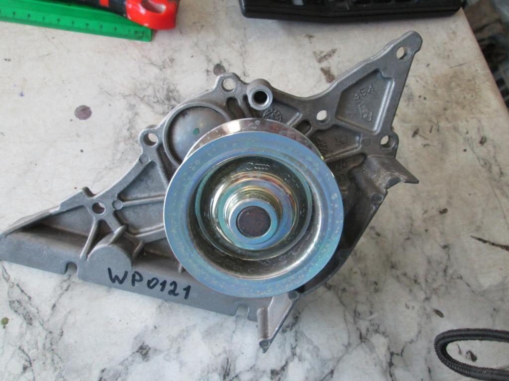 Фото - Водяной насос помпа Audi A6 A8 Touareg 3.7 4.2