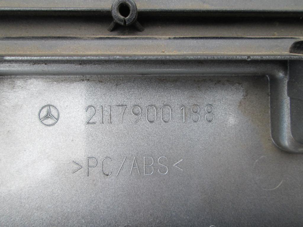 Фото 3 - Спойлер крышки багажника Mercedes W211 2117900188