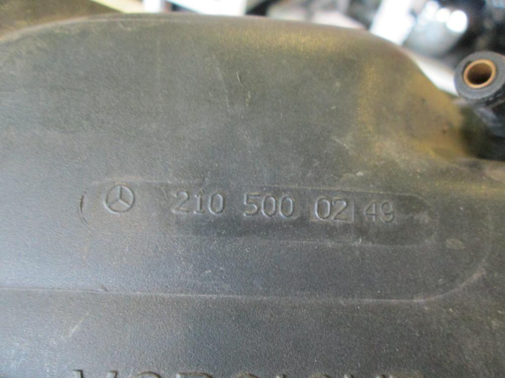 Фото 3 - Расширительный бачок Mercedes W210 2105000249