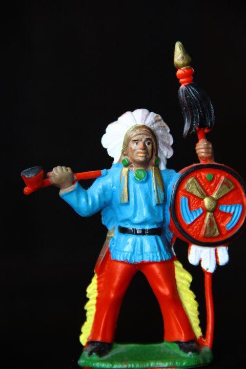 индейцы ковбои ГДР ( №101) Красная резина (цвет штанов)!