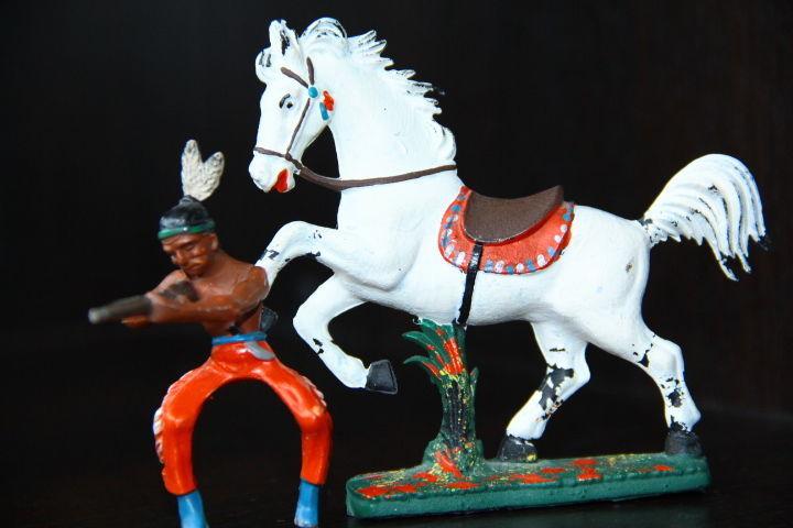 Фото 4 - индейцы ковбои ГДР (№310 + №015)