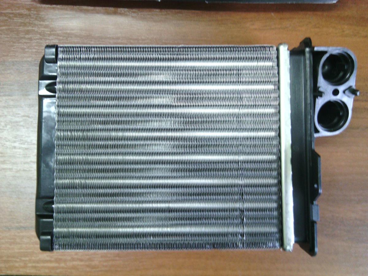 Радиатор печки на Дачия Логан (Dacia Logan) 04-08 г.в.