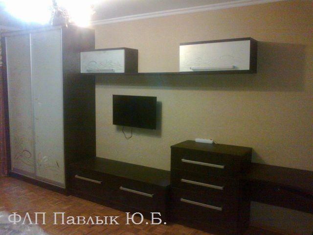 Шкафы-стенки, горки, мебель для гостиной.