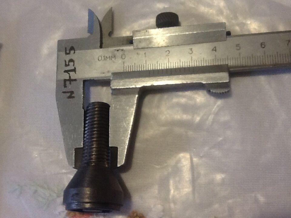 Фото 9 - заглушки для противотуманных фар,болты для креп колес