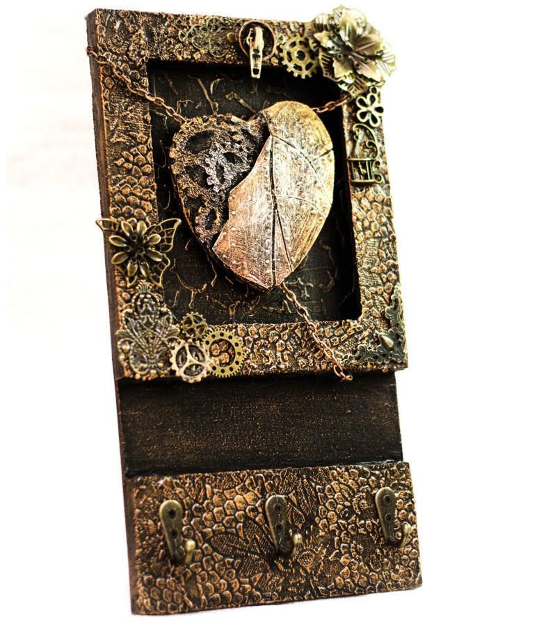 Фото - Оригинальная настенная ключница ручной работы. декор для прихожей