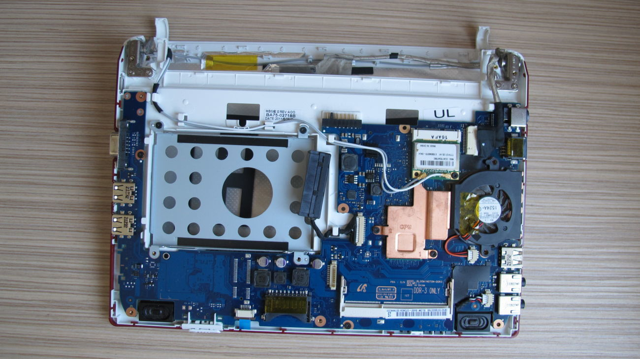 Фото 3 - Ноутбук Samsung N143 (материнка )
