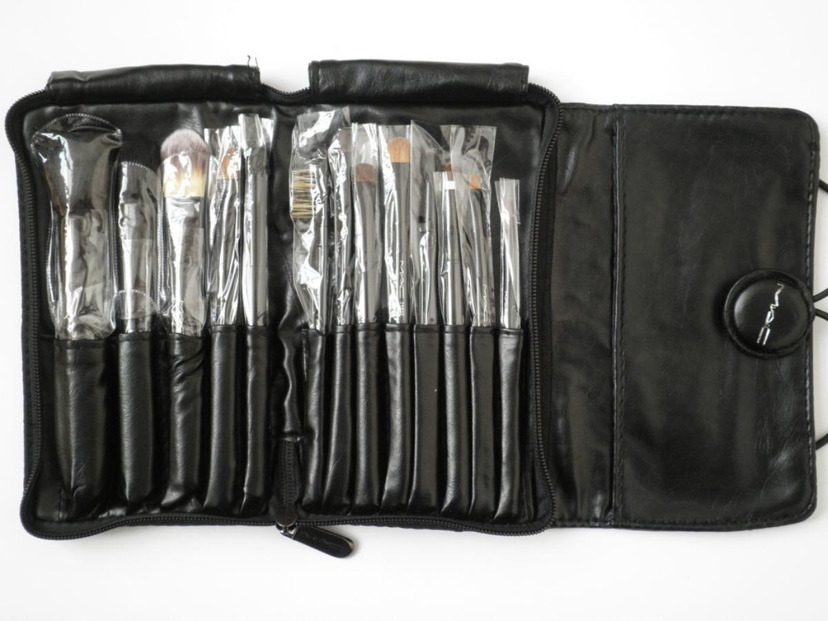Фото - Набор кисточек для макияжа