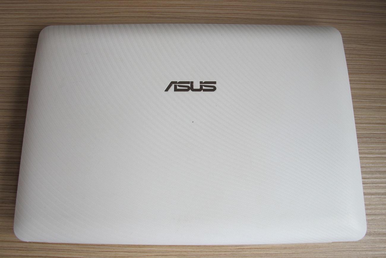 Фото - Asus Eee PC 1015PD (корпус)