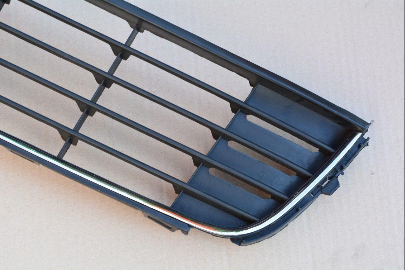 Фото 4 - Решетка радиатора Volkswagen CADDY 2011-2015.