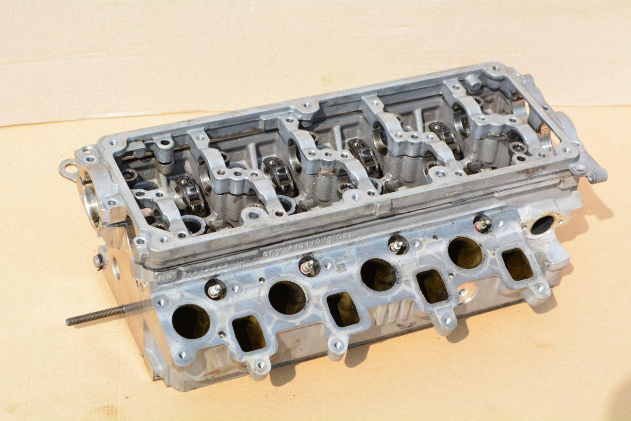 Фото - Головка блока цилиндров (ГБЦ) Volkswagen CADDY 2011-2015.