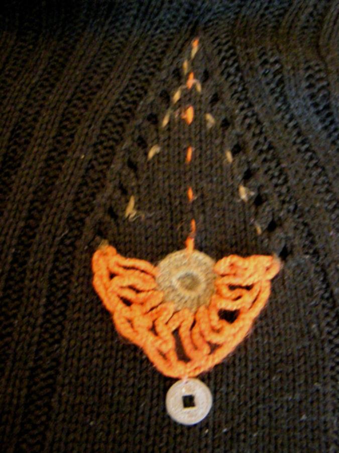 Фото 3 - Оригинальый свитер с поясом