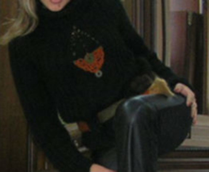 Фото - Оригинальый свитер с поясом