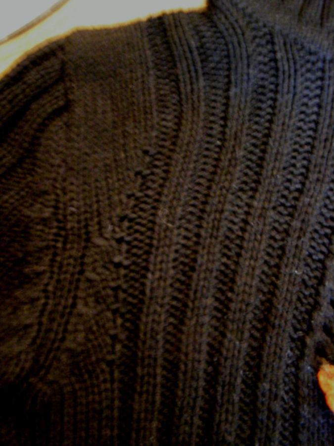 Фото 4 - Оригинальый свитер с поясом