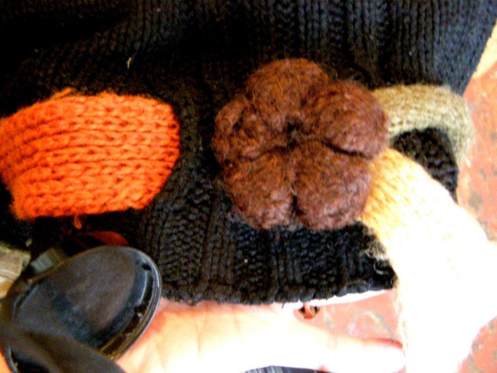 Фото 6 - Оригинальый свитер с поясом