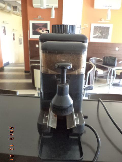 Фото 2 - Закрыли кофейню, продаём комплект оборудования с мебелью