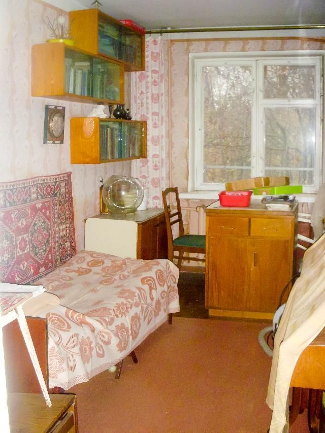 Фото 3 - 3 комнатная квартира Ген.Петрова угол Космонавтов 4 / 5 эт.