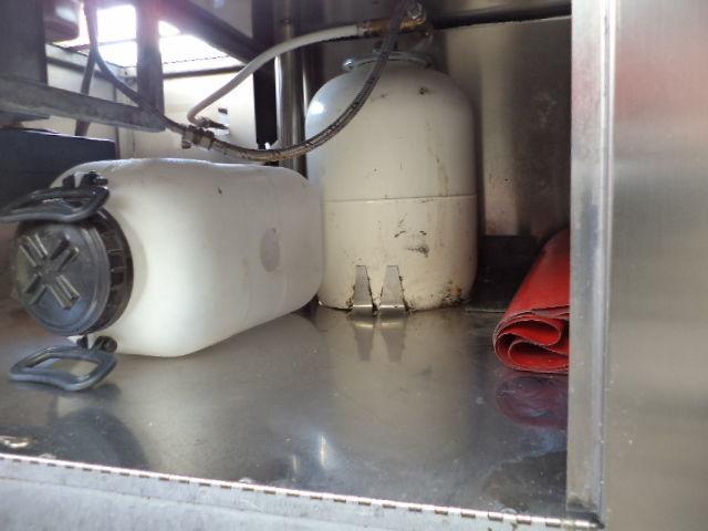 Фото 8 - Прицеп для выездной уличной торговли газовый гриль с зонтом б у