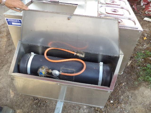 Фото 5 - Прицеп для выездной уличной торговли газовый гриль с зонтом б у