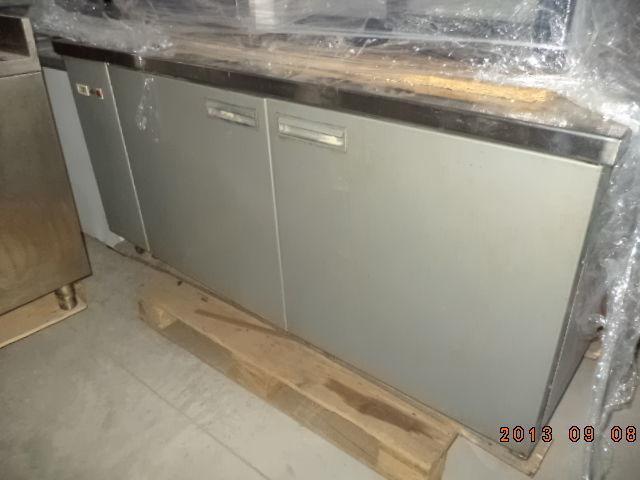 Фото 9 - Основа для барной стойки- холодильный стол б у в рабочем состоянии