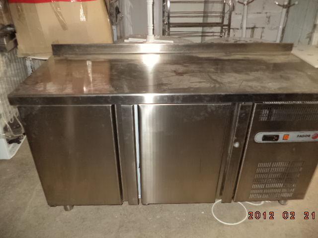 Фото 5 - Основа для барной стойки- холодильный стол б у в рабочем состоянии