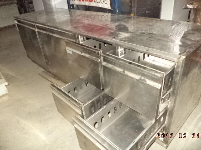 Фото - Основа для барной стойки- холодильный стол б у в рабочем состоянии