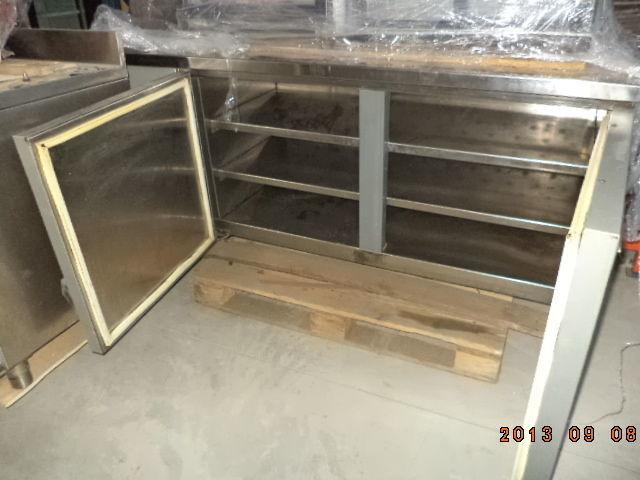 Фото 10 - Основа для барной стойки- холодильный стол б у в рабочем состоянии