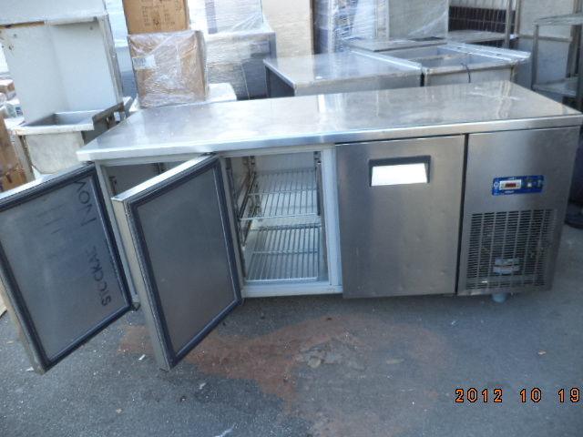 Фото 8 - Основа для барной стойки- холодильный стол б у в рабочем состоянии