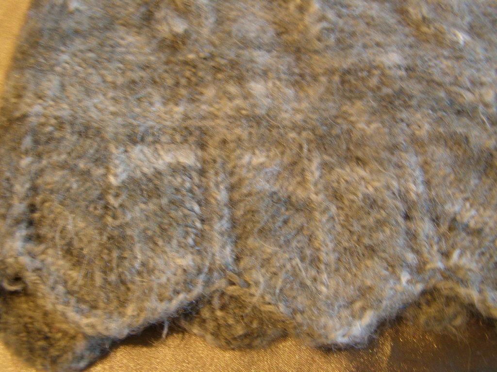 Фото 3 - Теплый шерстяной свитер на девочку