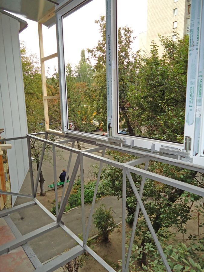 Фото 3 - Утепление балконов! Выносы и остекление. Окна и балконы под ключ.Буча